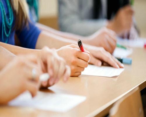 Τον Σεπτέμβριο οι επαναληπτικές πανελλαδικές εξετάσεις